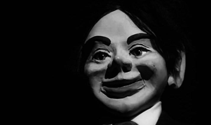 Devil.Doll.1964.DVDRIP.XViD-CG.avi_snapshot_00.35.48_[2012.02.05_23.54.29]