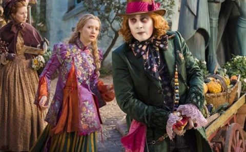 Alice-Through-The-Looking-Glass-International-Trailer-600x381